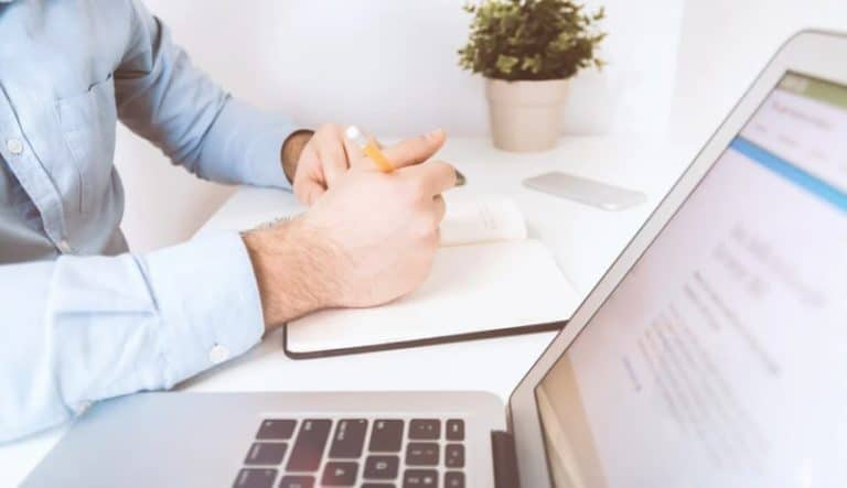 70+ Of The Best Office Manager Resume Skills For Your CV [Free Guide]