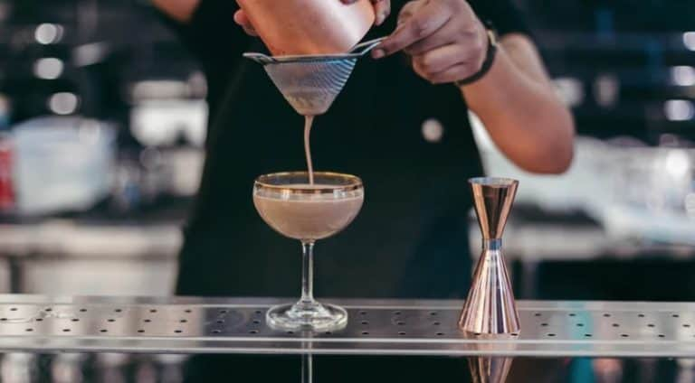 17 Bartender Interview Questions + Answers Restaurant Managers Love To Hear