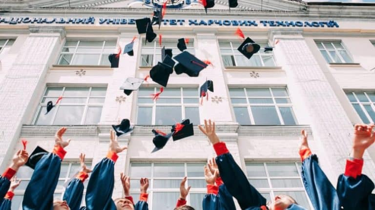 Learn How To Stand Out With 23 College Interview Tips For University Applications 2021