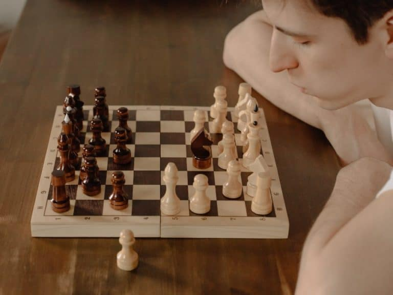 Top 10 Best Online Chess Classes & Training [Free + Paid]