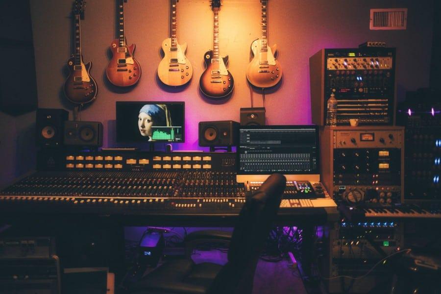 Top 13 Best Online Music Production Classes & Courses