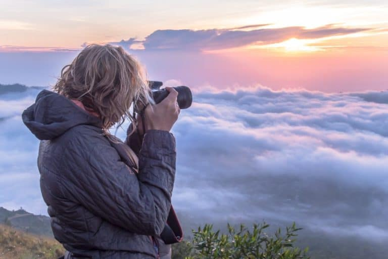 Learn How To Take Perfect Photos With 2021's Top 17 Best Online Photography Courses & Classes