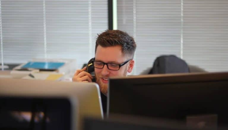 2021's 17 Call Center Interview Questions + Answers [Free Guide]